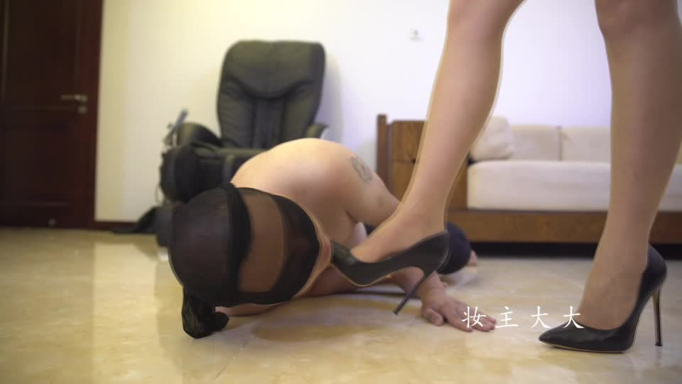 Mistress Zhuang Exclusive Custom Video #2