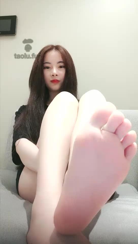 Beautiful feet show